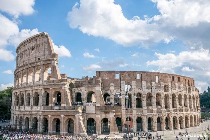 В Риме ввели новые запреты для туристов фото №8