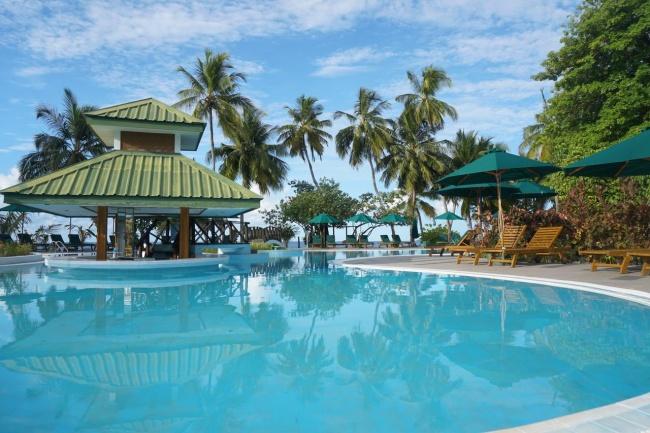 Мальдивы Equator Village 3*