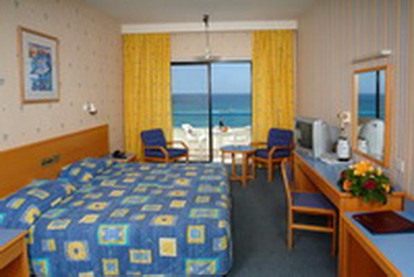Кипр Odessa Hotel 4* фото №2