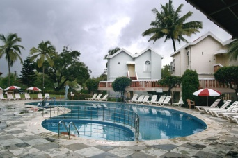 Whispering Palms Beach Resort 3