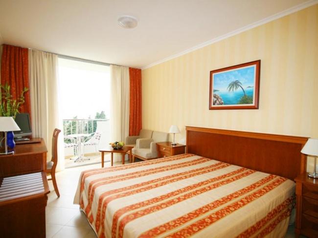 Mediteran hotel 4 черногория бечичи