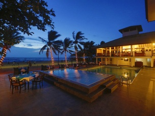 Catamaran Beach Hotel 16