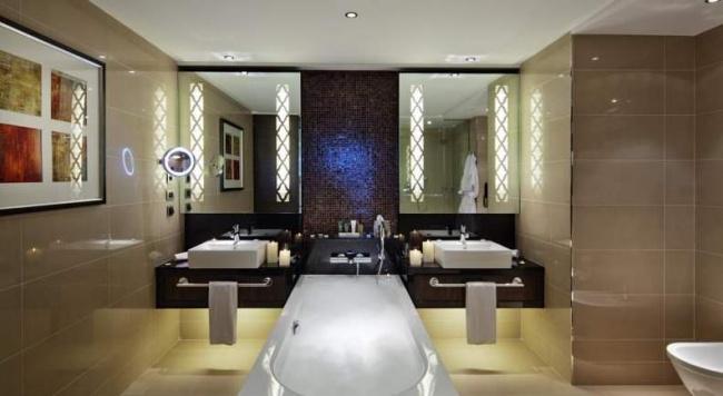 Азербайджан Hilton Baku 5*