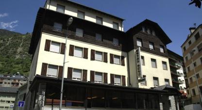 Oros Hotel 10