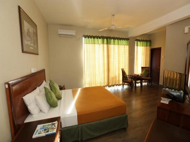 Шри Ланка Hikkaduwa Beach Hotel 3* фото №1