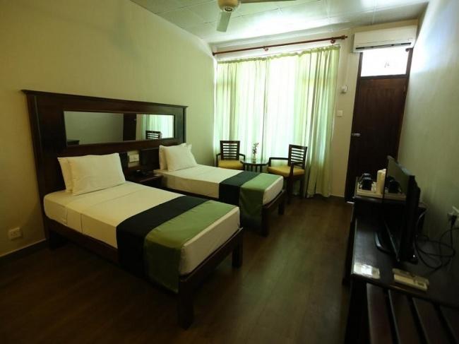 Шри Ланка Hikkaduwa Beach Hotel 3* фото №4