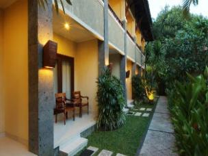 Adhi Jaya Hotel 4*