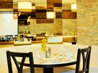 ОАЭ Ramada Beach Hotel Ajman 4* фото №1