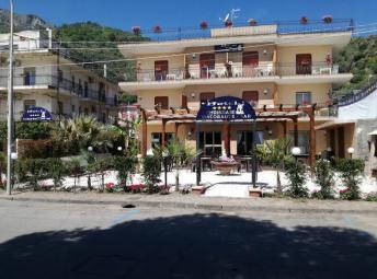 Италия Chrismare Hotel Mazzeo 4*