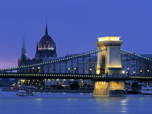 Блиц Братислава, Будапешт + Вена