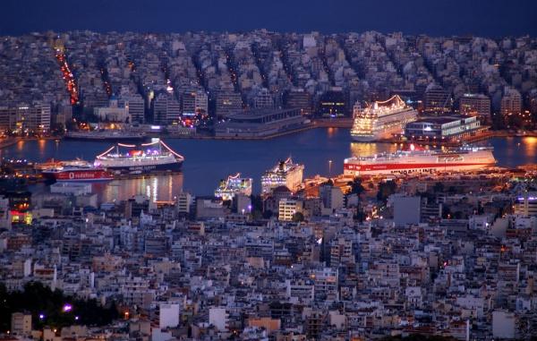 Греция Под флагом Греции...