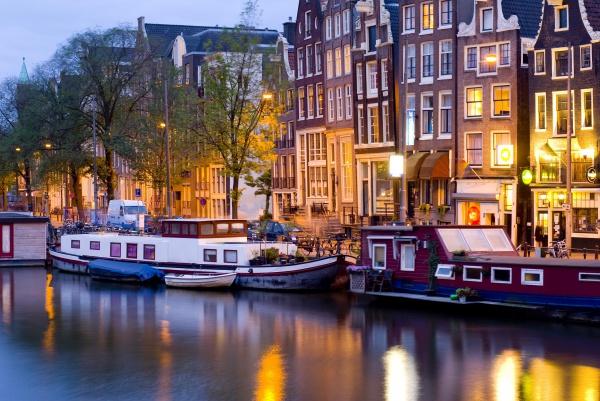 Нидерланды Миг счастья в Амстердаме