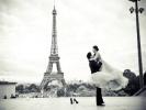Свадебная церемония возле Эйфелевой Башни в Париже