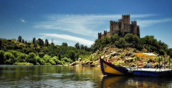 Португалия Две столицы Португалии