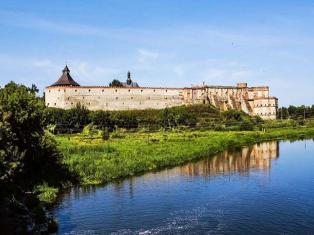 Замки и храмы Подолья